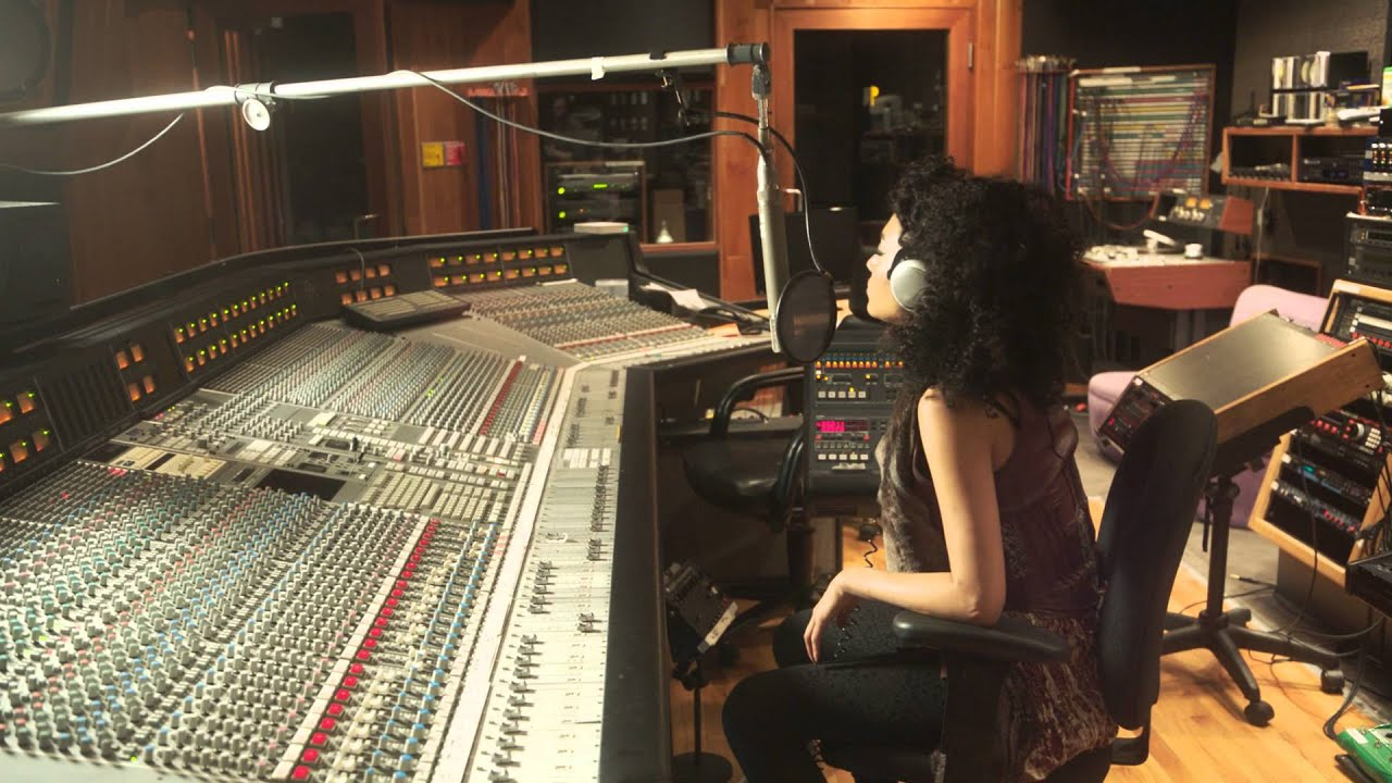 Judith Hill - Back In Time (Behind-The-Scenes at Paisley Park)