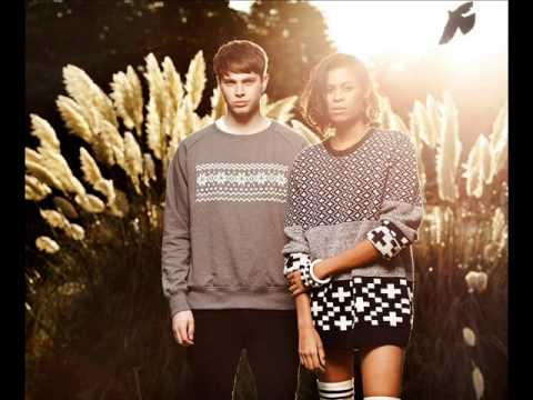 AlunaGeorge - Body Music (1Xtra Live Lounge)