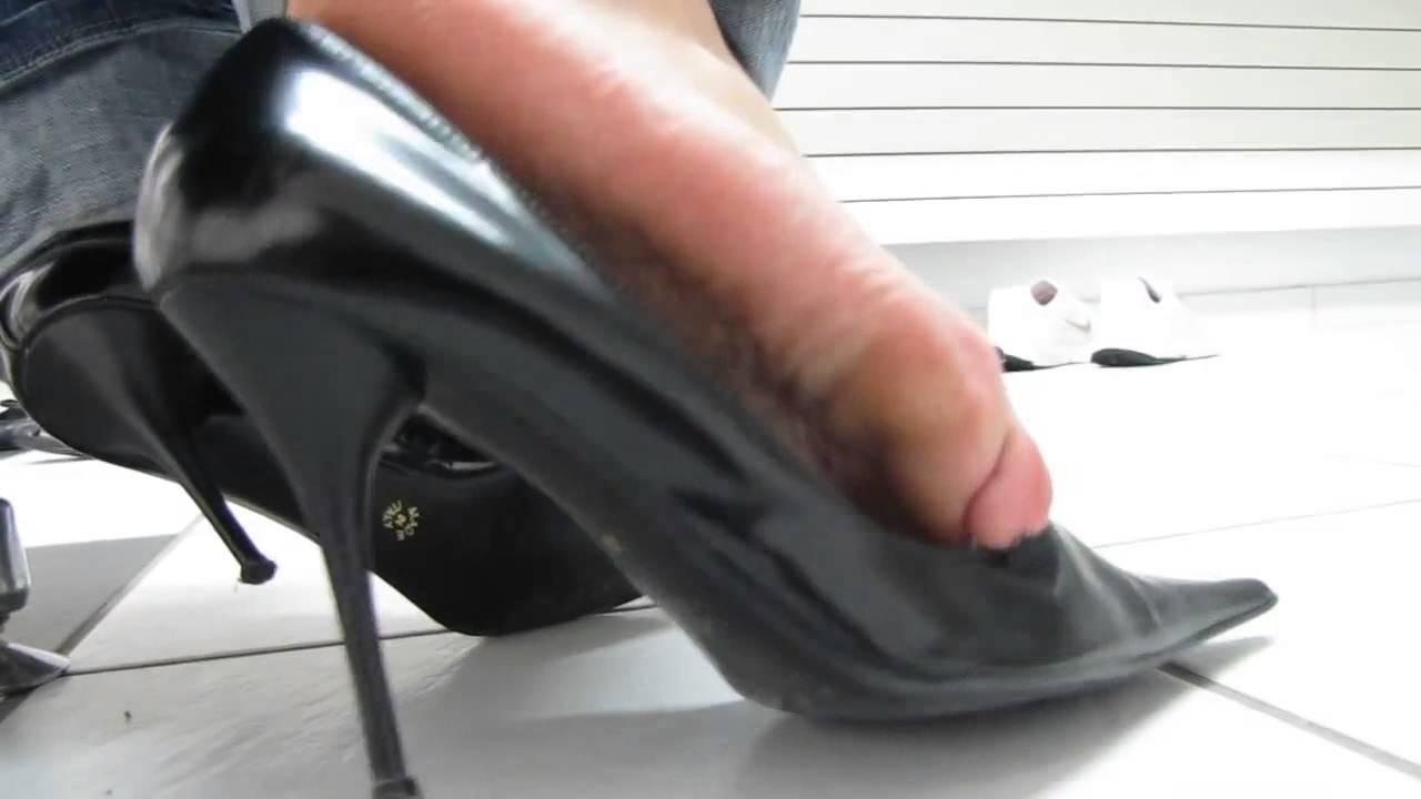 Dangling stiletto black high heels c4scom100355