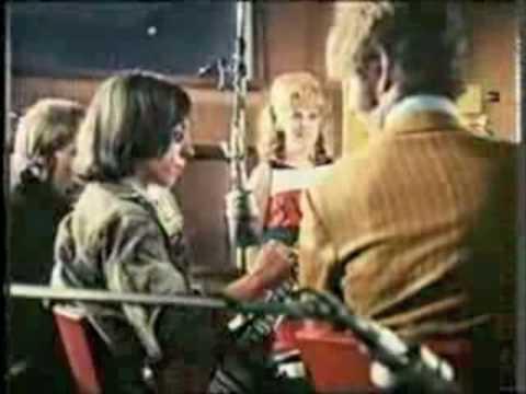 Lynn Redgrave sings