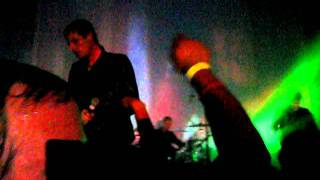 Cold Cave - Love Comes Close (Live)