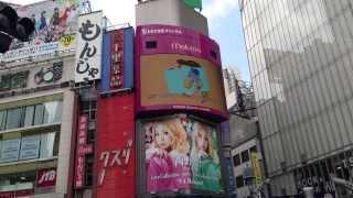 渋谷のスクランブル交差点にTHEポッシボー&小川真奈『プレイボール』がこだまする
