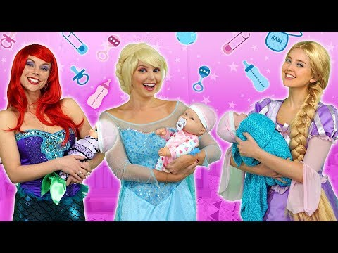 DISNEY PRINCESS PARENTS (Ariel, Rapunzel, Belle, Elsa and Anna as Moms) Totally TV