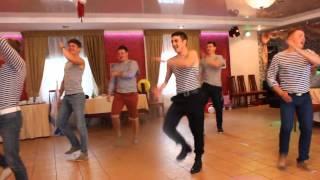 Наш ответ лезгинке. Русские парни зажигают на свадьбе! Our answer lezginka(Желающим оказать материальную помощь: http://www.donationalerts.ru/r/barvinokyulia., 2014-11-10T07:42:06.000Z)
