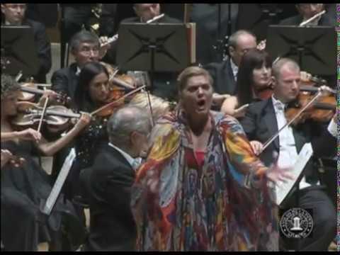 """""""Turandot"""" (A Coruña, 2010). Elisabete Matos. """"In questa reggia""""... BOS/Neuhold"""