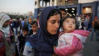 اليونان تنقل ألفي مهاجر من جزيرة لسبوس إلى مرفأ قرب أثينا    14-6-2015