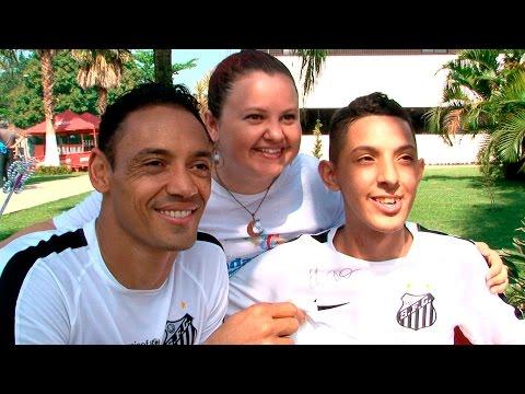 Flávio realiza sonha e conhece o elenco do Peixe | #MuitoAlémdoFutebol