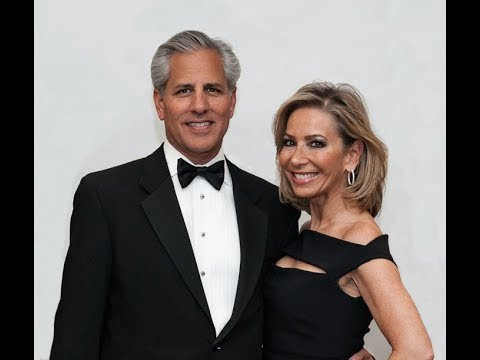 LifeStyle Award Honoring Jeff & Valerie Newberg for Mobile Loaves and Fishes