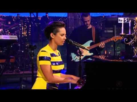 Alicia Keys Brand New Me @ David Letterman Show 181212 SUB ITA