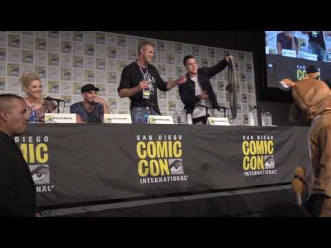 HYSTERICAL! Travis Fimmel Crashes Vikings Panel in Kangaroo Costume at San Diego Comic Con