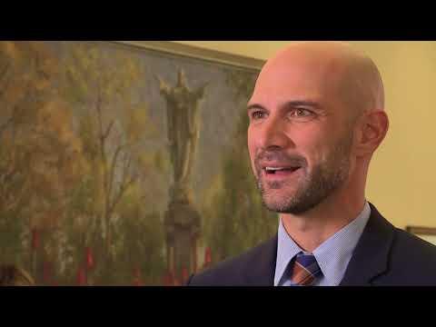 Mendoza Commitment to Michiana Award - Aaron Perri EMBA '10