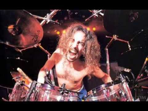 NICK MENZA Discusses Atomic Disintegrator, Mega-Life, Classic Megadeth Line-up, Dave Mustaine (2014)