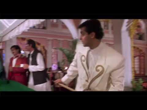Kaate nahi katte hain lamhe intezar ke superhit romantic scene.