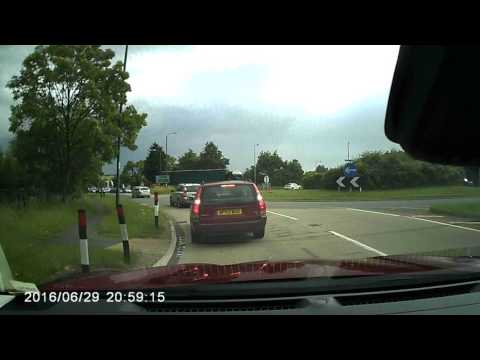 Poor driving UK: Overtaking on roundabout exit A46 Evesham