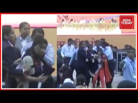 Woman Protests For Women Safety During An Event In Gujarat In Presence Of PM Modi