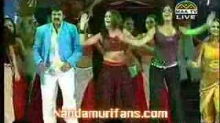 BALA KRISHNA DANCE AT TELUGU CINEMA VAJROTSAVAM