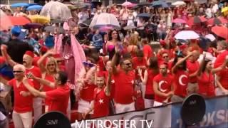 Amsterdam Gay Pride'a katılan Türk eşcinsellerin belgeseli çekildi.