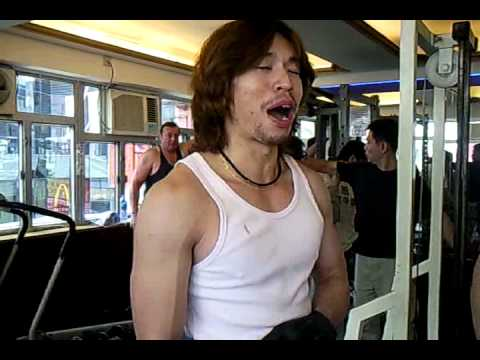 2010.12.20 - Franco's Gym 力威健身 - seated lateral dumbell fly - YouTube