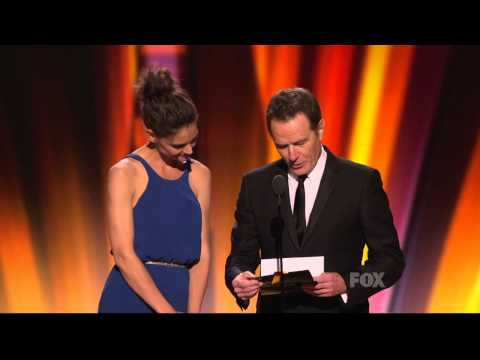 Julianna Margulies wins an Emmy at the 2011 Primetime Emmy Awards