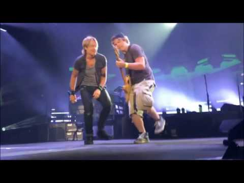 Rob Joyce Plays Guitar For Keith Urban on...