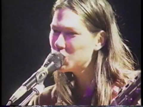 Breeders - Interview + Live London 1993