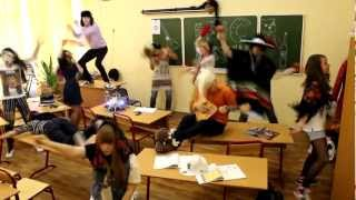 Harlem Shake In Russian School