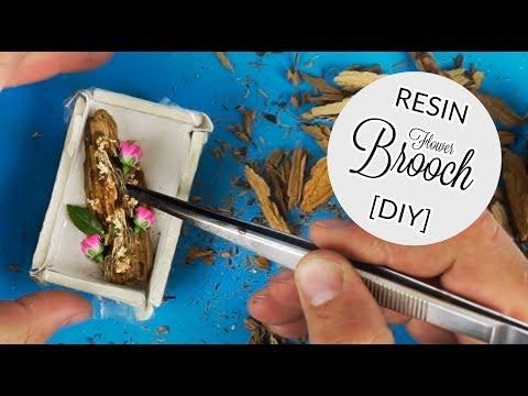 DIY Resin Brooch - Vivid flower in the Resin