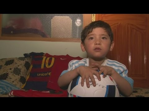Plastic-shirt wearing Messi fan flees Afghanistan over kidnapping fears