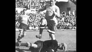 Lev Yashin - Black Spider(Lev Ivanovich Yashin OL - em russo: Лев Иванович Яшин (Moscou, 22 de outubro de 1929 — Moscou, 20 de março de 1990) - foi um goleiro soviético., 2012-07-24T02:52:31.000Z)