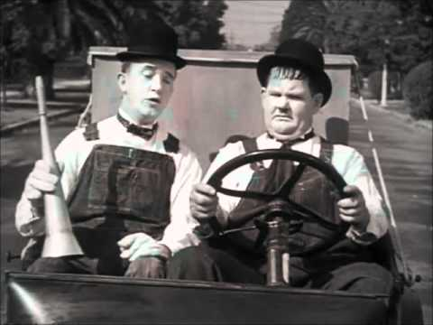 Laurel & Hardy - Stan's Good Idea (Towed In A Hole)