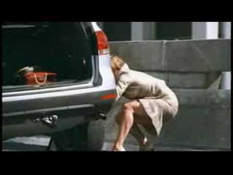 Reifenwechsel einer Frau