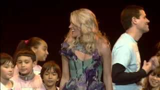 """SO SMALL"" Carrie Underwood & PS22 Chorus at Newark Prudential Center"