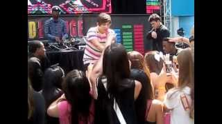 What About Love - Austin Mahone live at Mall of America, MN