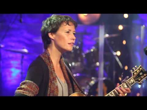 Sarah Lee Guthrie Catch the Wind  30Minute Music Hour: On the Road