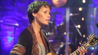 """Sarah Lee Guthrie """"Catch the Wind"""" 