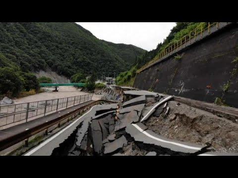 شاهد: الفيضانات تخلف دمارا واسعا في أنحاء مختلفة من اليابان…  - نشر قبل 2 ساعة