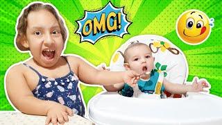Maria Clara finge ser babá de um bebê de verdade por um dia (Pretend to play Nanny) - MC Divertida