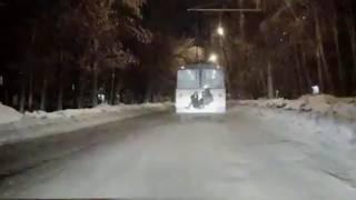 Суровые зайцы прокатились по Уралмашу на троллейбусе