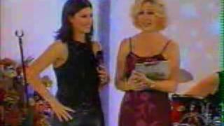 1/3  Laura Pausini en Vale la Pena Soñar - Perú 2001