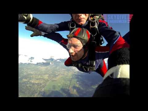 Aaron Hills's Tandem skydive!