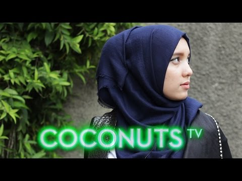 Look-See: The Hijab Fashionistas of Jakarta | Coconuts TV