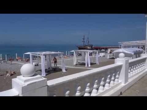 """Пляж """"Гренады"""", цены в кафе на набережной. Лазаревское, 10 июня 2019"""