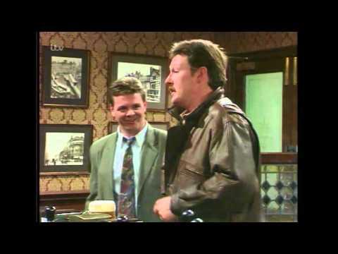Jim Buys Des A Drink For Feeding Steve - Coronation Street