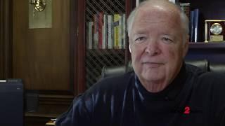 فصل: جيلفورد Co الشريف BJ بارنز يعكس على 24 عاما في منصبه