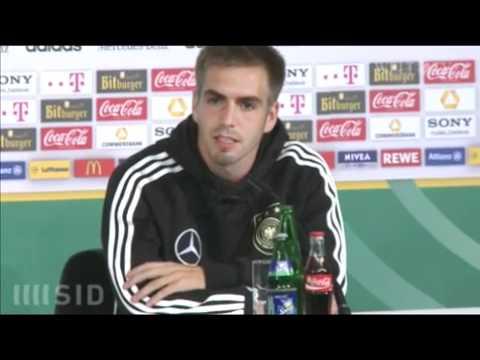Video  Entschuldigung  Lahm nach Low Kritik an Autobiografie kleinlaut   Nachrichten Videos   Sport   WELT ONLINE