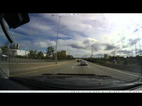 Woman stops SUV in fast lane of highway in Ottawa to pick up ducks