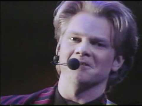 Steven Curtis Chapman - Christmas Is All In The Heart - Live - YouTube
