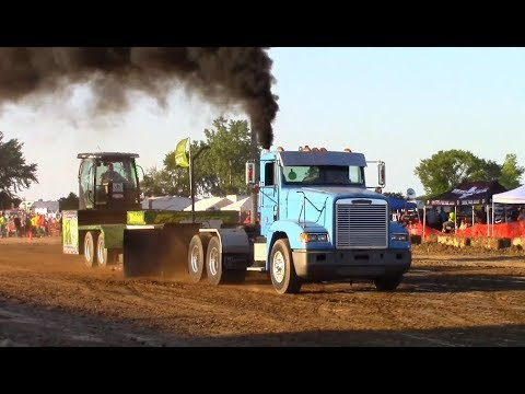 Tractor/Truck/Semi Pulls! Pulling The Pioneer Sled 2017