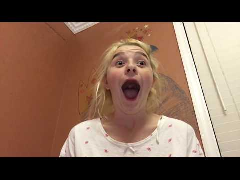 This tot reacted to Melanie Martinez's piggyback being savage @ Timothy Heller!
