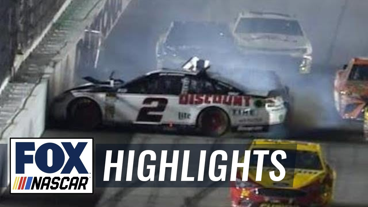Brad Keselowski crashes out late in Duel #1 at Daytona I FOX NASCAR